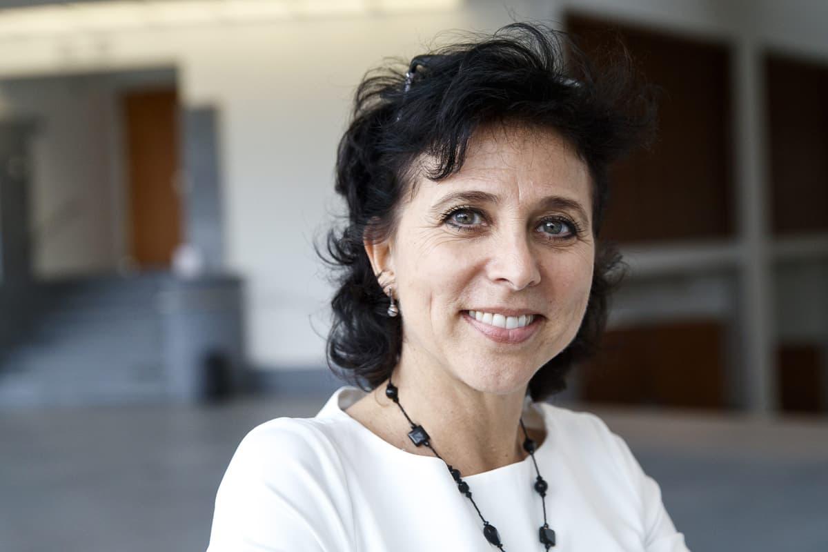 Kansallisbaletin uusi taiteellinen johtaja Madeleine Onne tiedotustilaisuudessa Helsingissä tiistaina 10. lokakuuta 2017.