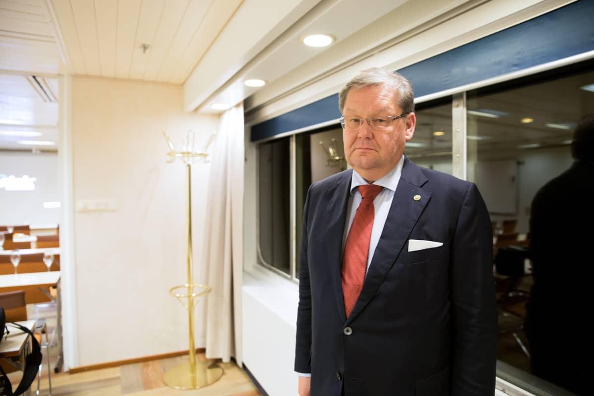 Toimitusjohtaja Jan Hanses Mariellalla.