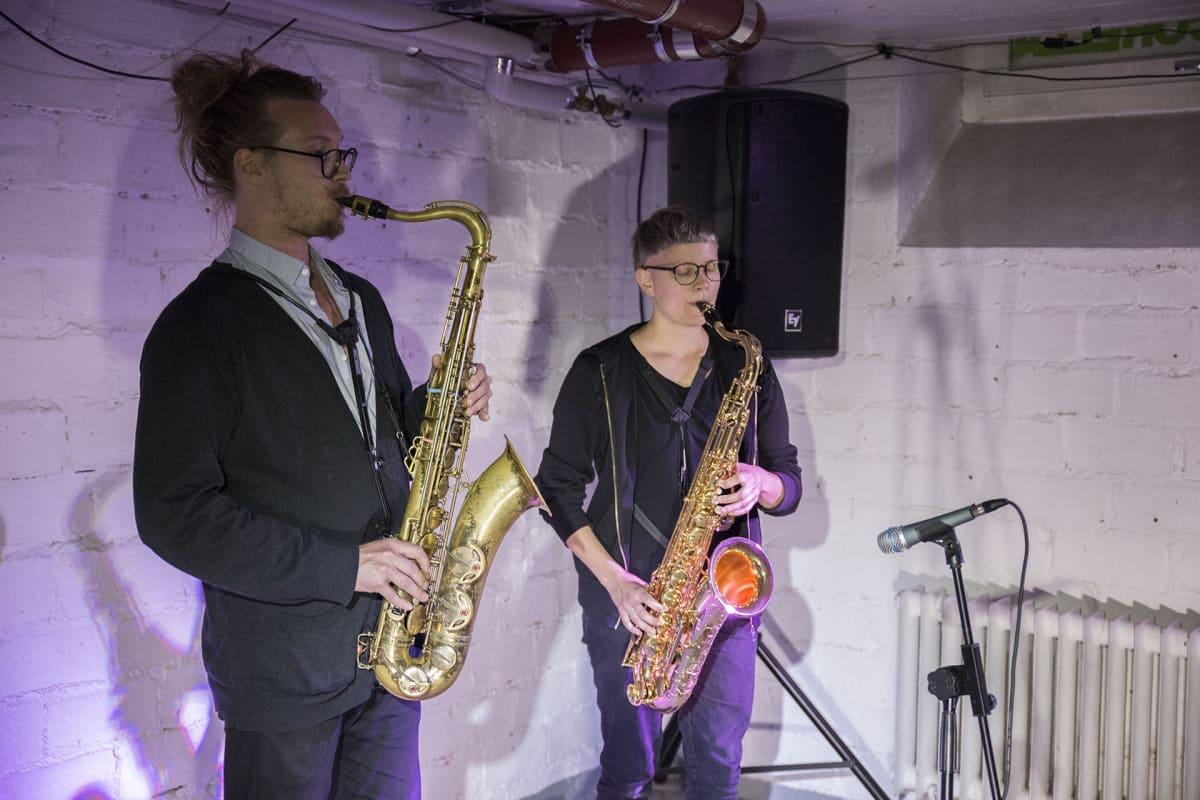 Jarno Tikka, Suvi Linnovaara, tenorisaksofoni