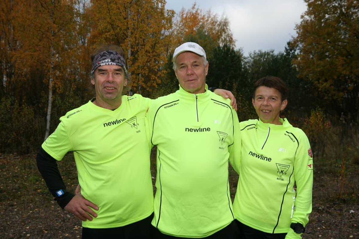 Trion löper 100 maratonlopp