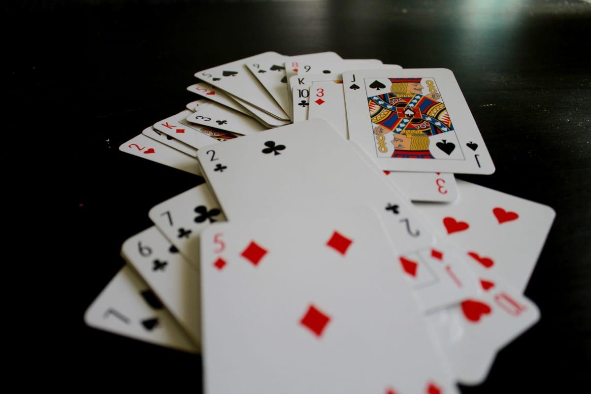 Pelikortteja.