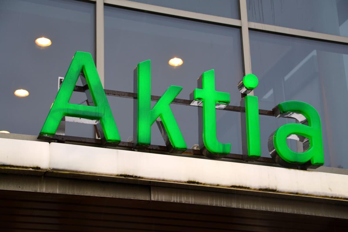"""Skylt med texten """"Aktia"""""""