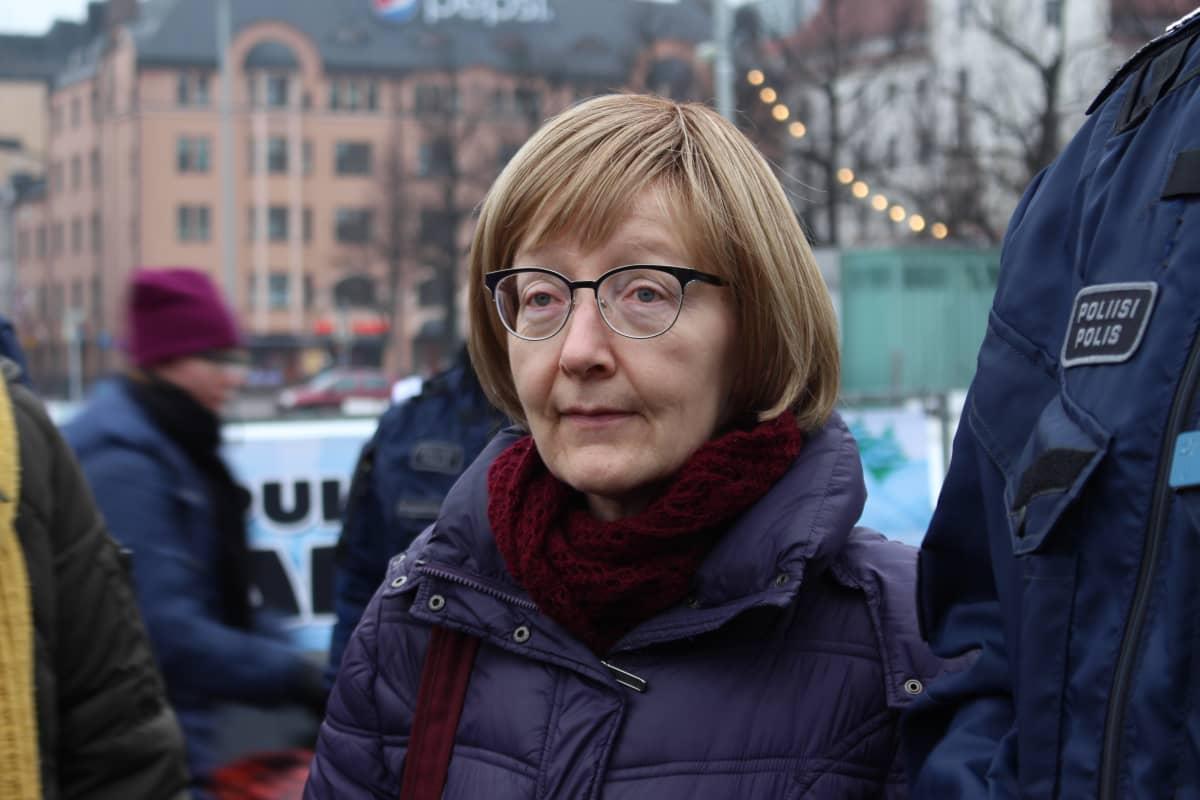 Maahanmuuttoviraston ylijohtaja Jaana Vuorio Helsingin Rautatientorilla helmikuussa 2017.