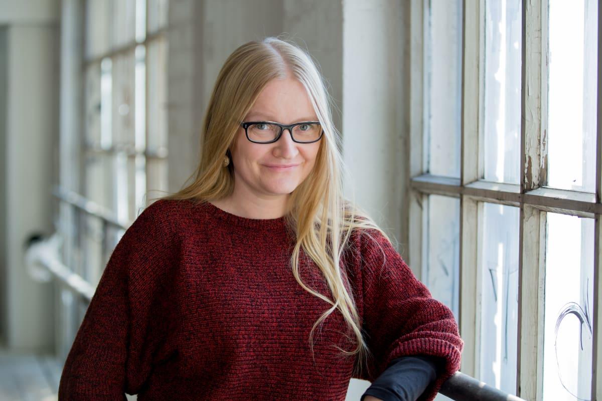 Toimittaja ja tietokirjailija Johanna Vehkoo, Telakkarannan Konepajahalli, Hki, 18.10.2016.