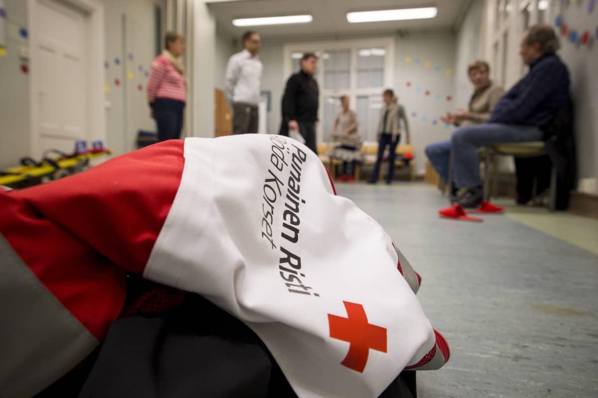 SPR ensiapuryhmä harjoittelee Espoossa.