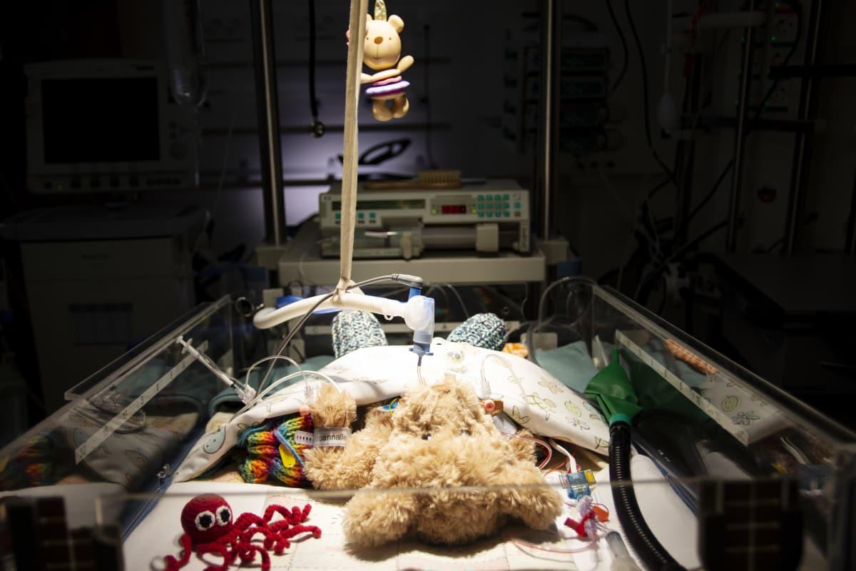 """Uuden lastensairaalan nallelle tehdään """"operaatiota""""."""