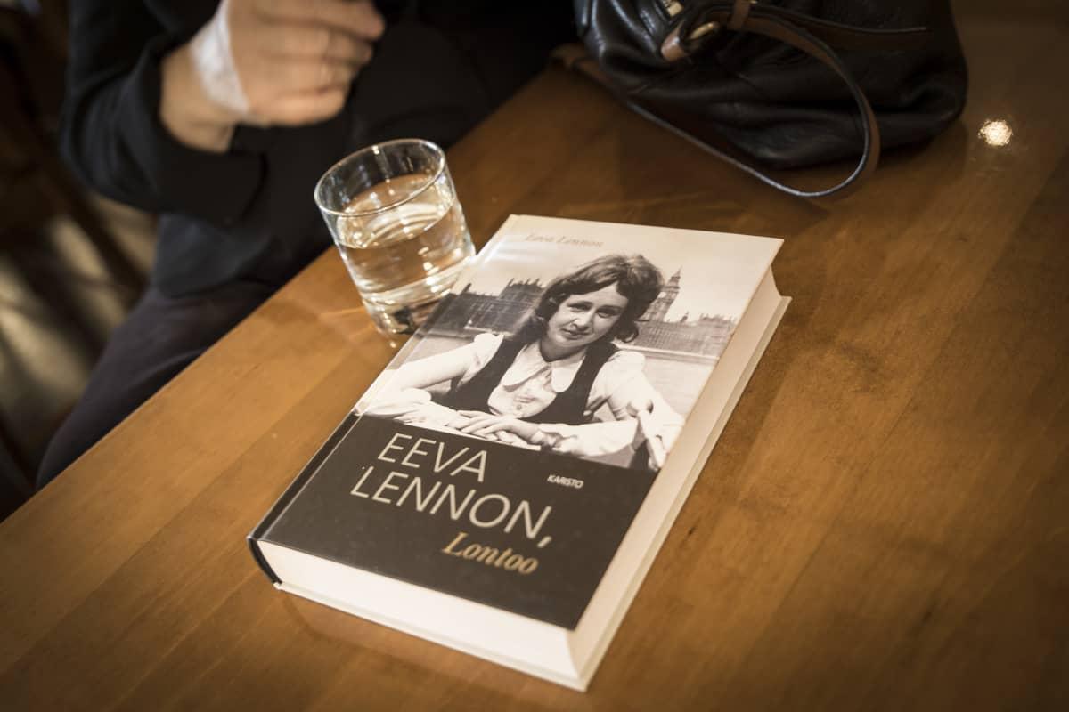 Eeva Lennon, kirja lk