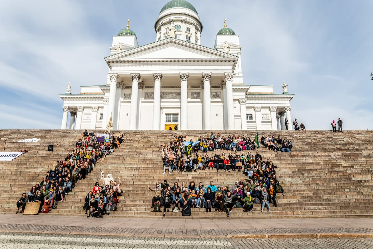 Opiskelijoiden ilmastolakko Senaatintorilla 5.4.2019.