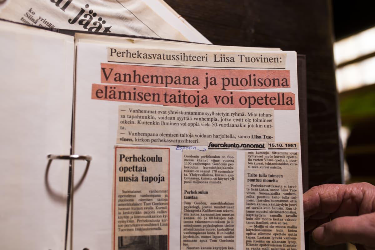 Liisa Tuovisen leikekirja.