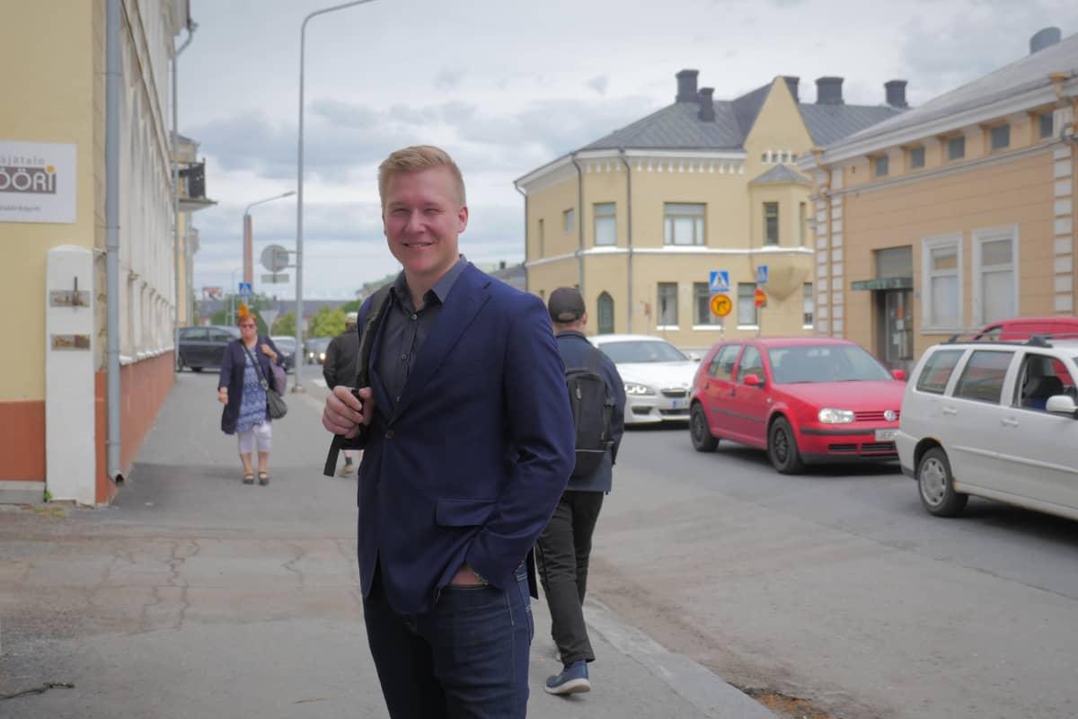 Sampo Hyvärinen, Prasos oy tietojohtaja