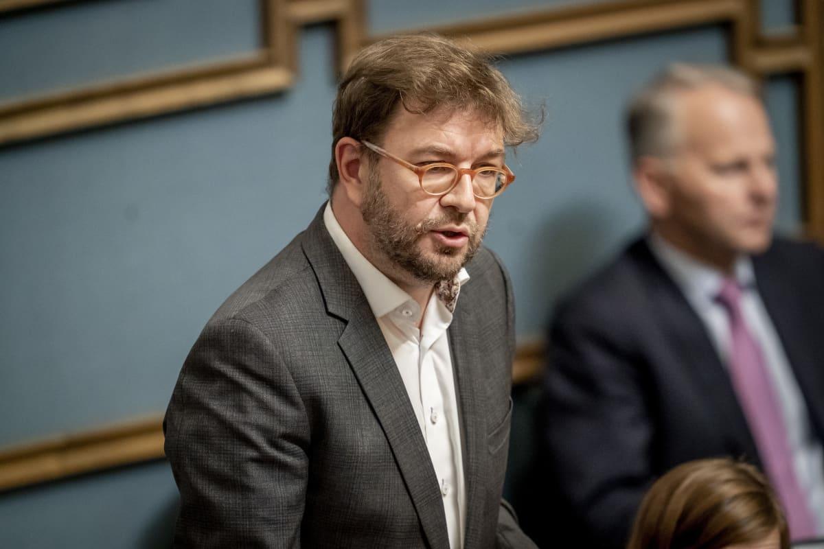 Timo Harakka eduskunnassa 12.9.2019