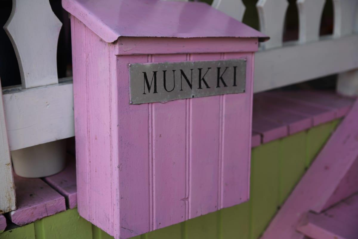 Postilaatikko, jossa lukee Munkki