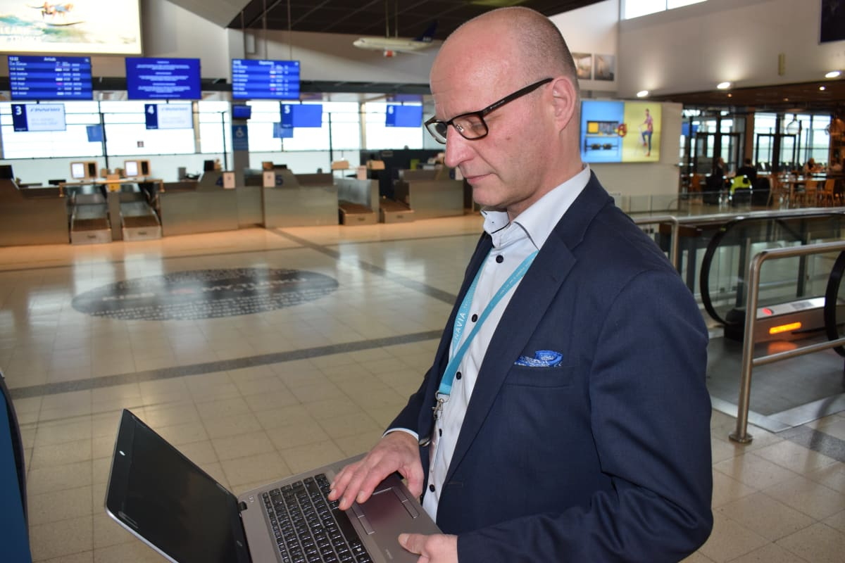 Turun lentoaseman päällikkö Juha Aaltonen