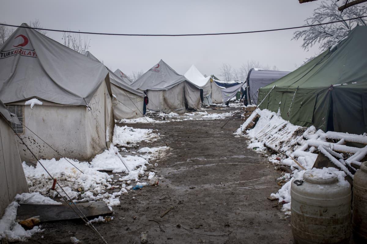 Pakolaisia Vucjakin leirillä