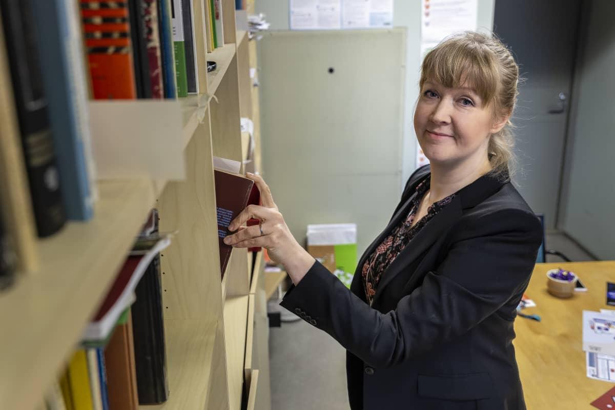 apulaisprofessori Nelli Hankonen
