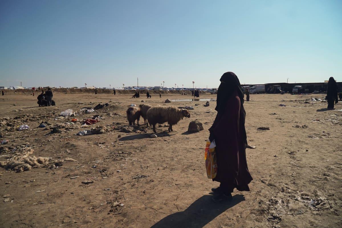 Suomalainen nainen al-Holin leirillä tammikuussa 2020.