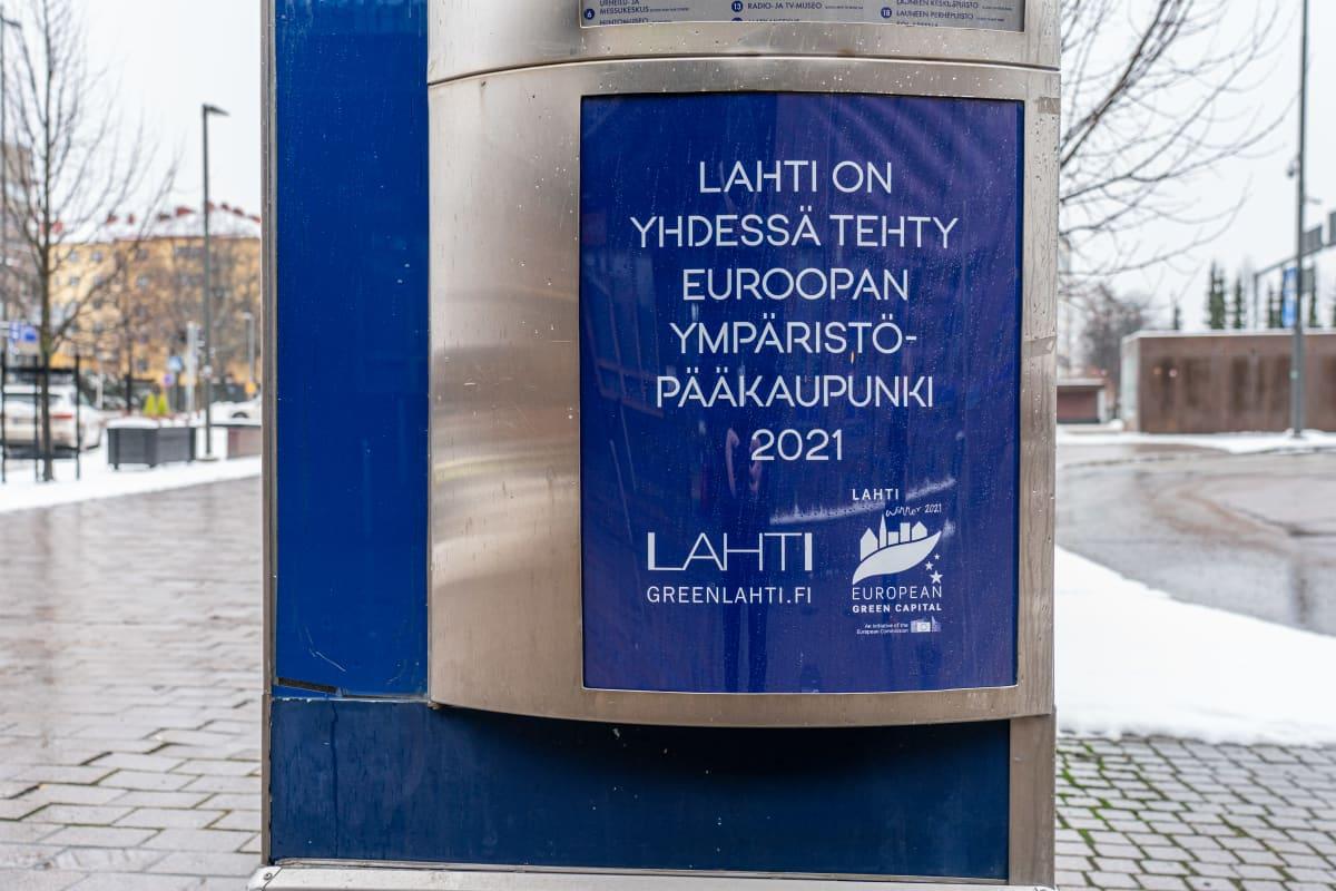Ympäristöpääkaupunki 2021 -juliste Lahdessa.