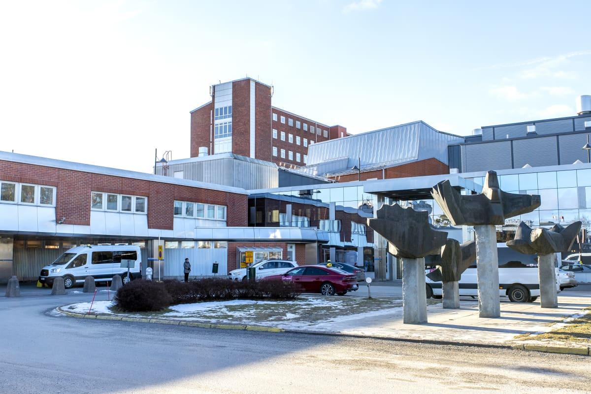 Keski-Suomen keskussairaala ulkoa.