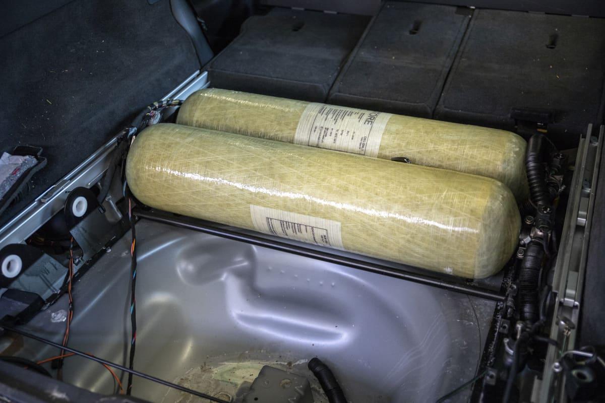 biokaasu pullot autossa