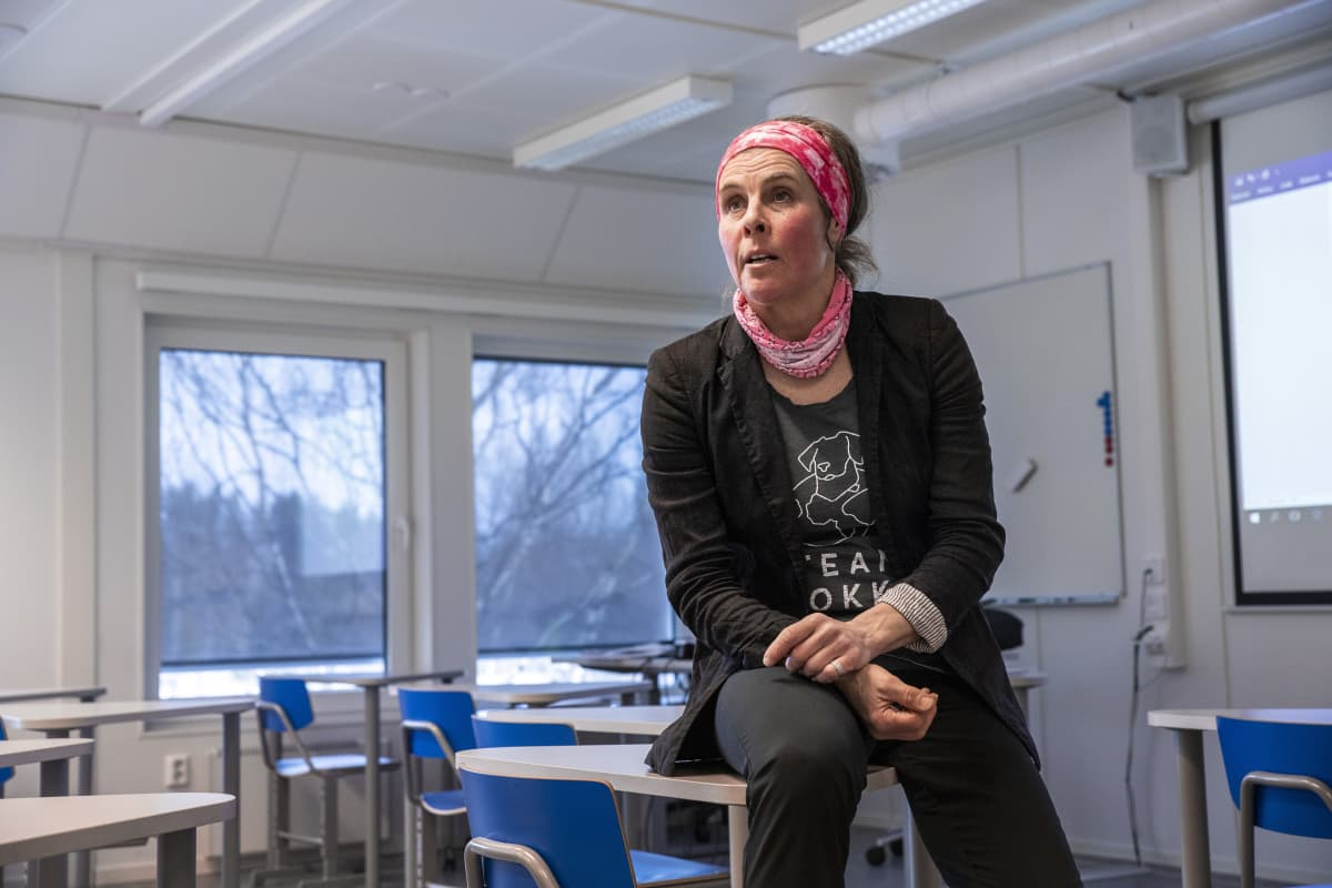 Historian ja yhteiskuntaopin lehtori Johanna Taskinen, Ahmon koulu Siilinjärvellä