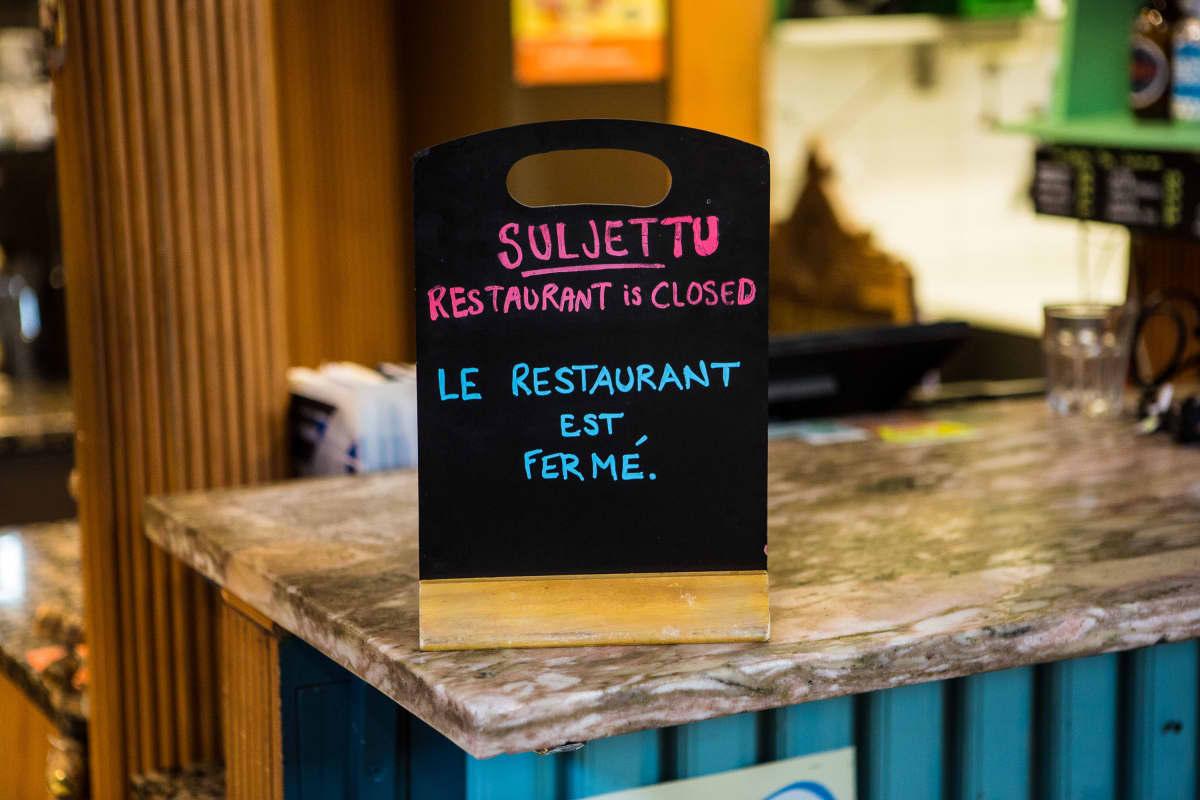 Tampereen Kauppahallin Neljä Vuodenaikaa-ravintola oli suljettuna 25. maaliskuuta 2020.