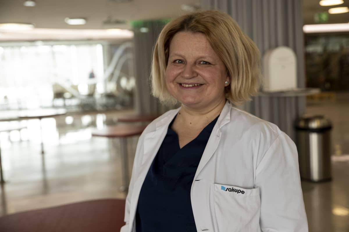 Kuopion yliopistollisen sairaalan neurologian apulaisylilääkäri Anne-Mari Kantanen.