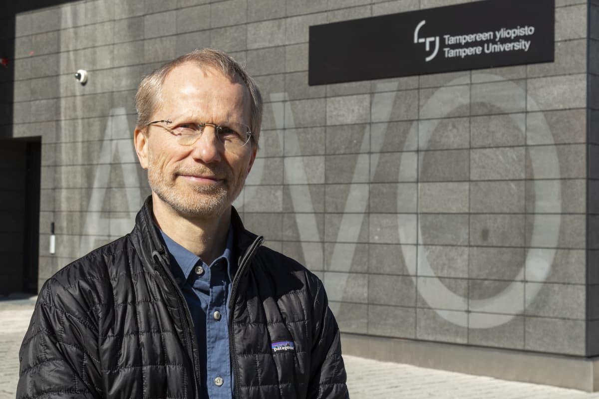 Tampereen yliopiston epidemiologian professori Pekka Nuorti