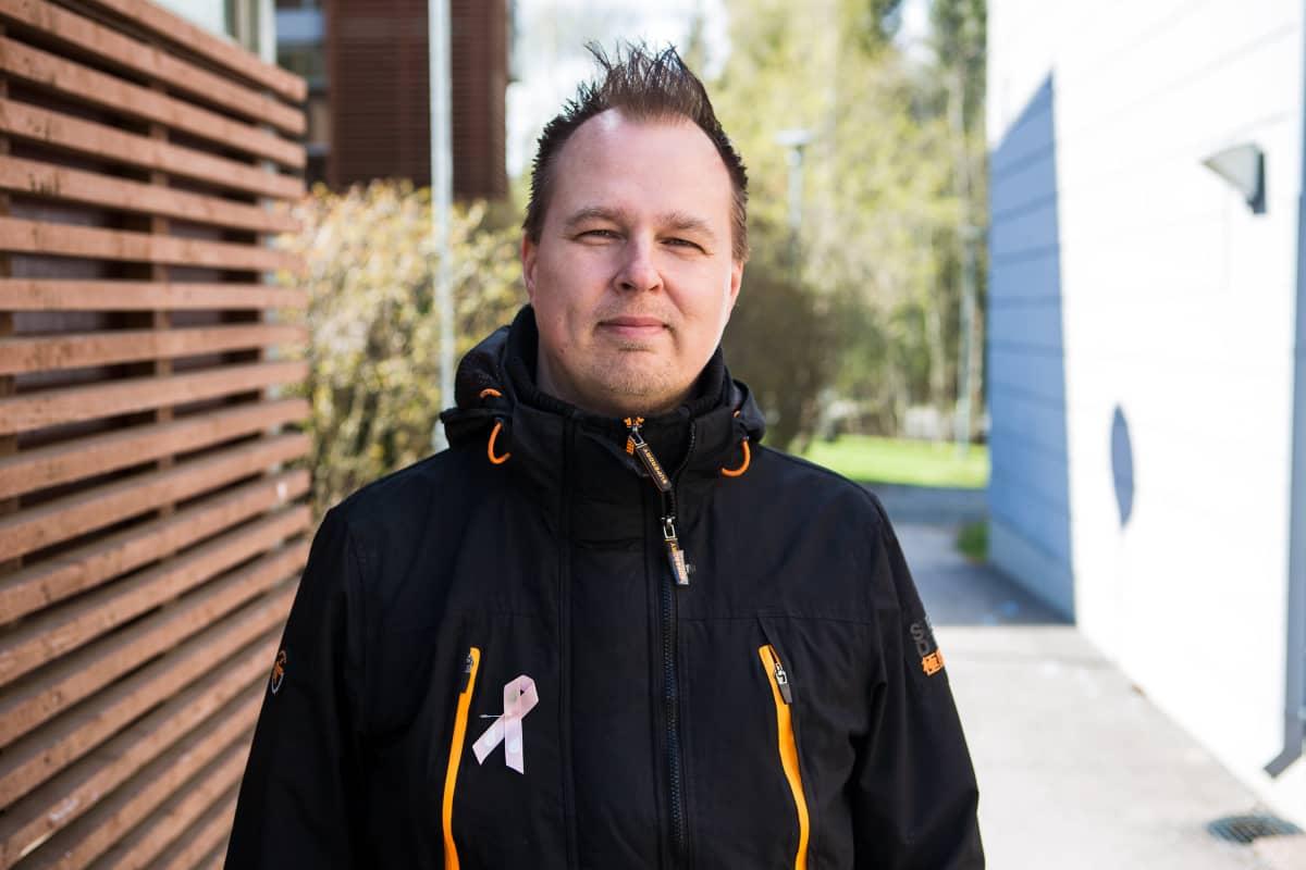 Tamperelainen perheenisä Marko Himanka kuvattuna.
