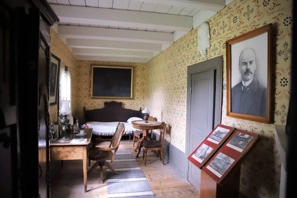 Lenin huone Paraisten kotiseutumuseossa