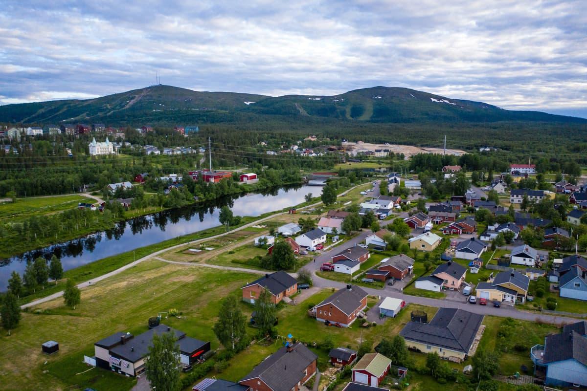 Ilmakuva Pohjois-Ruotsin Jällivaarasta.