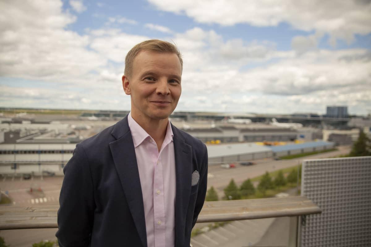 Pekka Antila johtaja Aurinkomatkat.