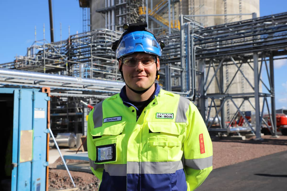 Haminan Energian automaattiasentaja Eemi Pousi.