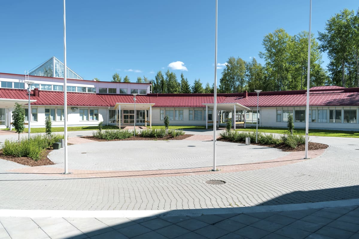 Kuokkalan koulu ulkoa.