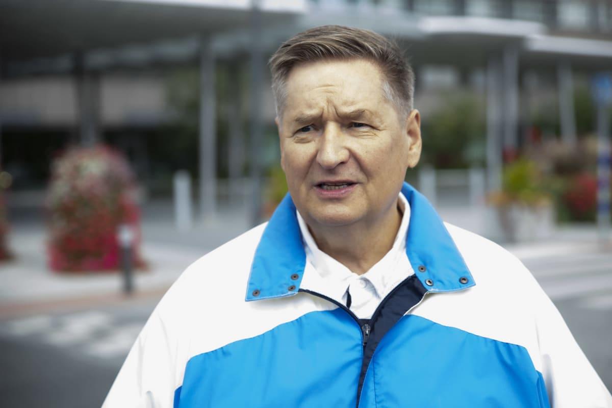 Pohjois-Savon sairaanhoitopiirin hallituksen puheenjohtaja Markku Rossi