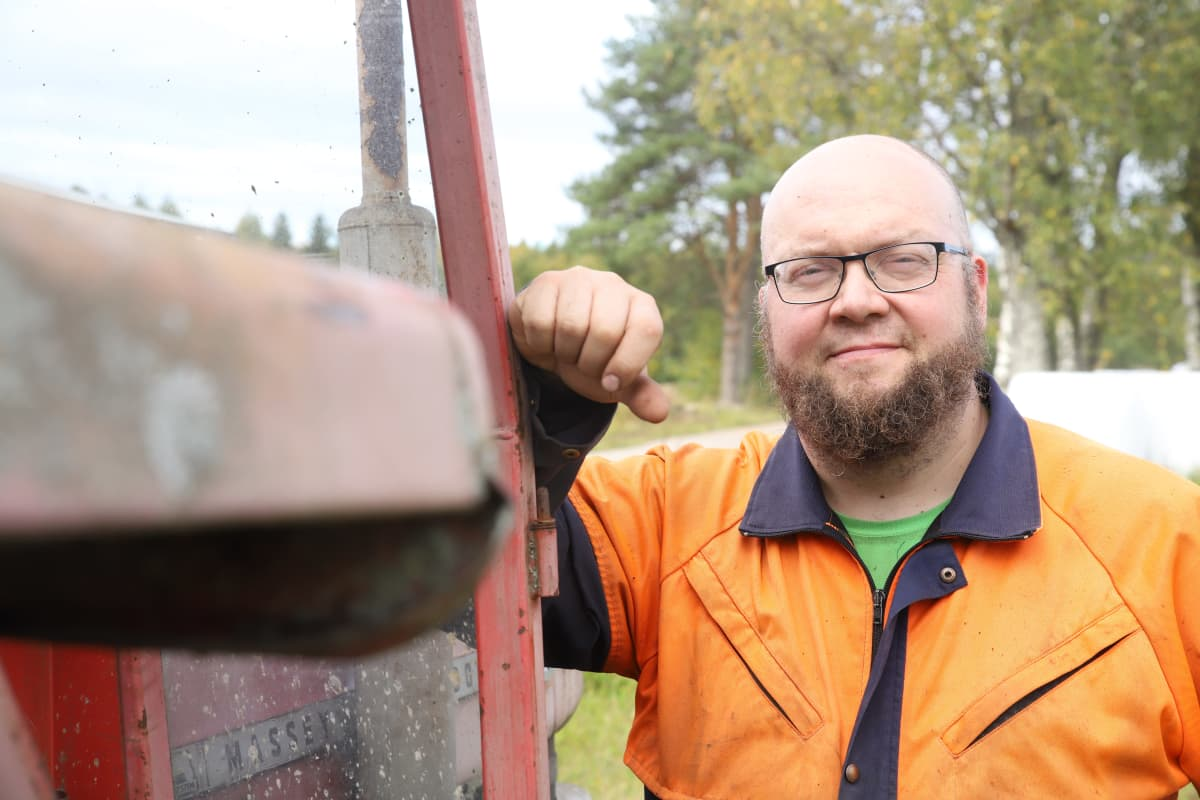 Maanviljelä Marko Kuukkanen Petäjävedeltä Pengerjoen kylältä.