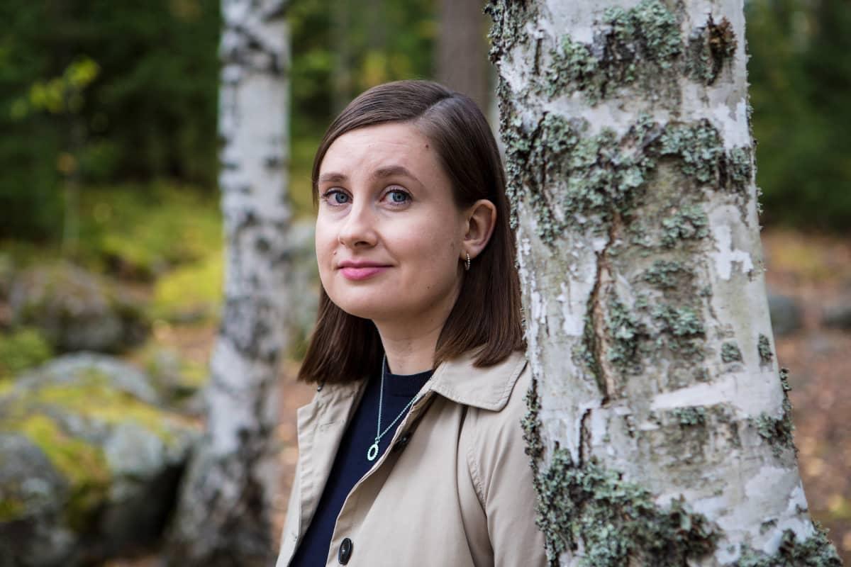 Tutkija Annu Perälä Vaasan yliopiston InnoLabista kuvattuna Valkeakoskella.