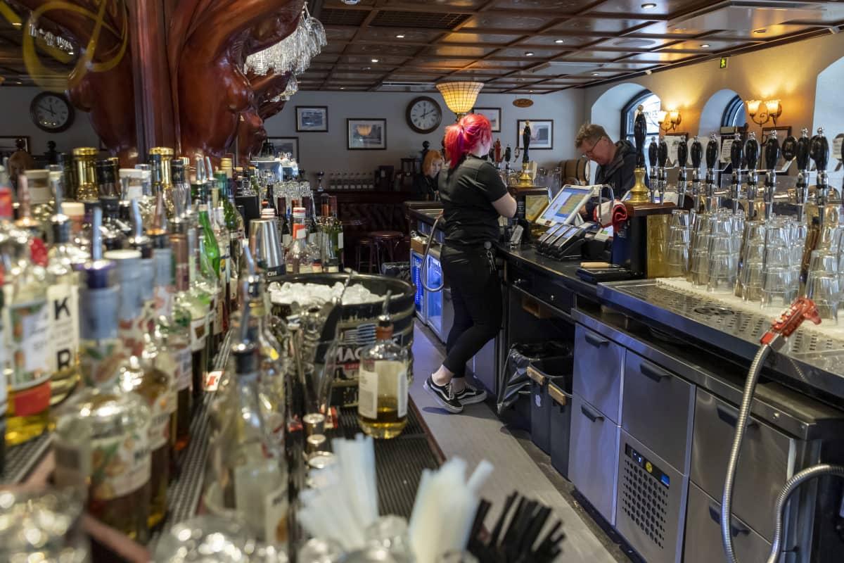 Ravintola Harry'sin baaritiski