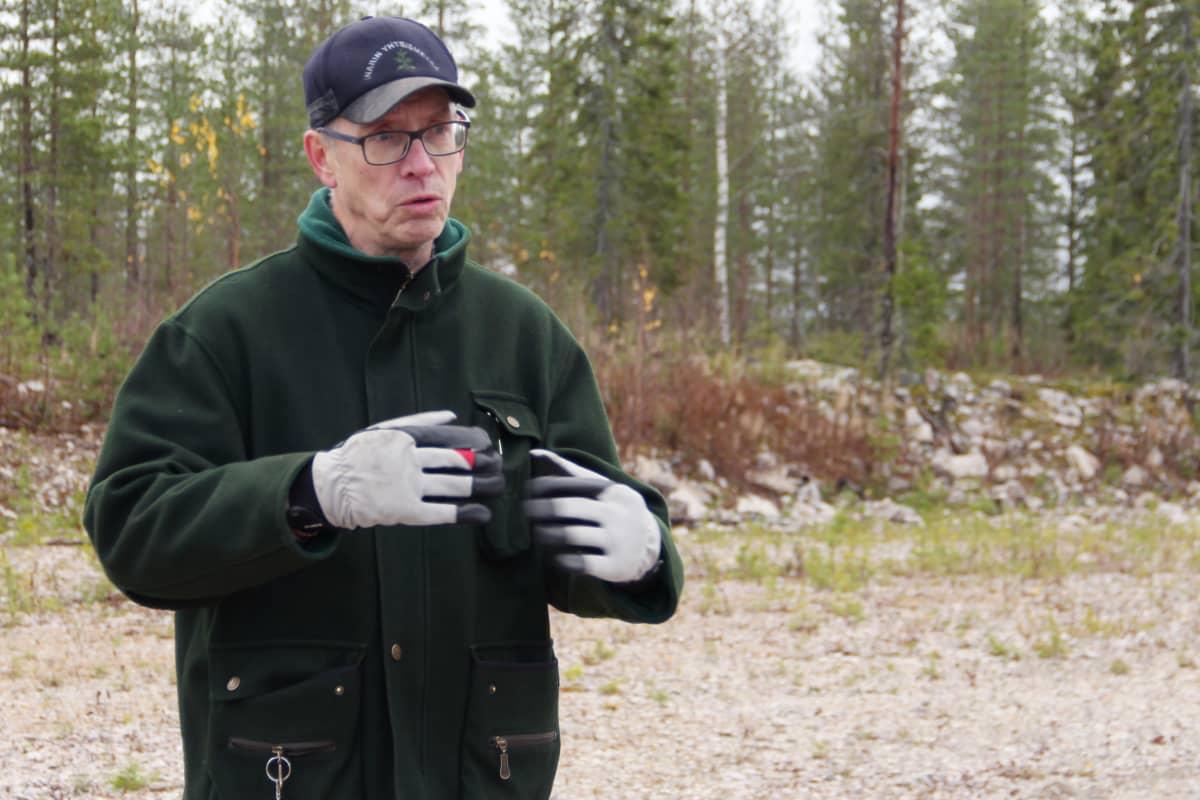 Maanomistaja Jukka Aula Louen tuulivoimapuistossa Tervolassa