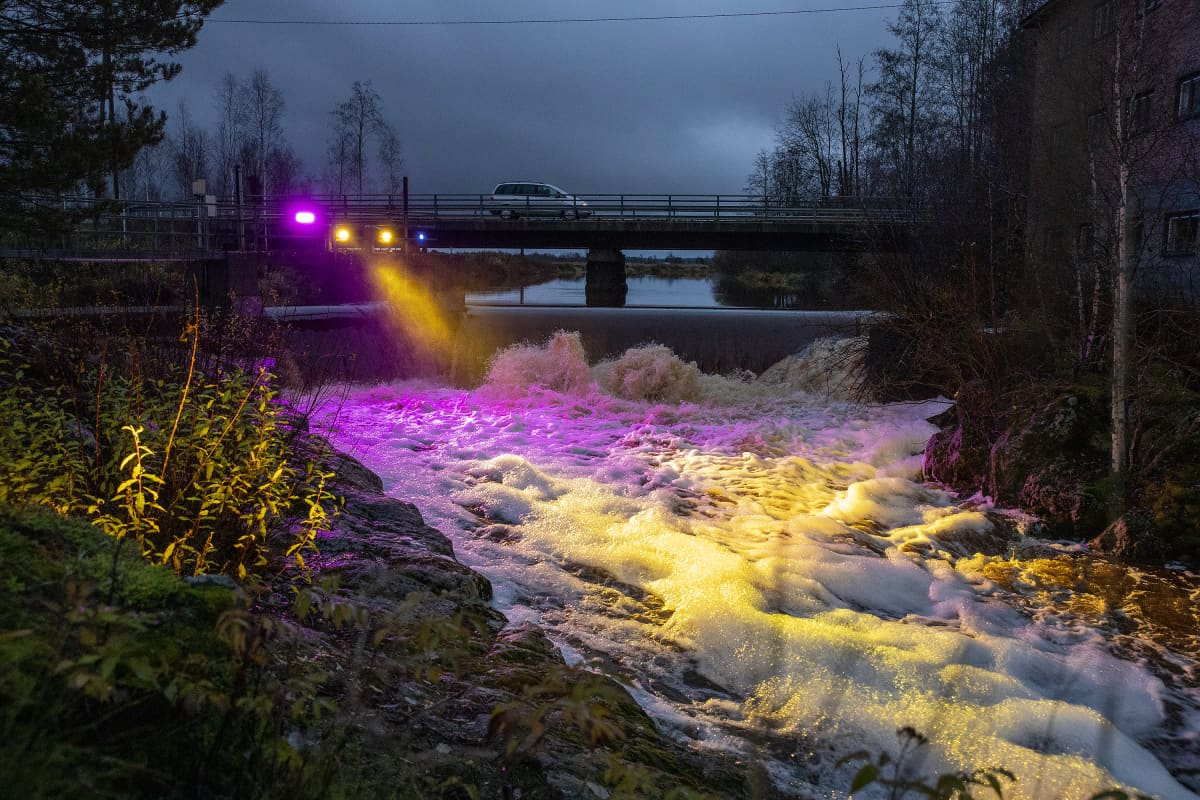Ahola Mixing Servicesin valaisema Jylhänkoski Kauhavalla Kauhavan valoviikolla 2020