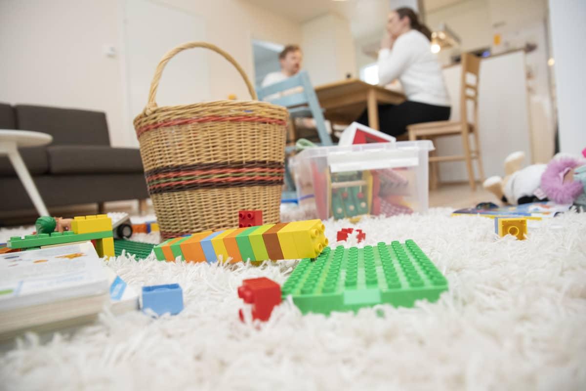 Legoja lattialla