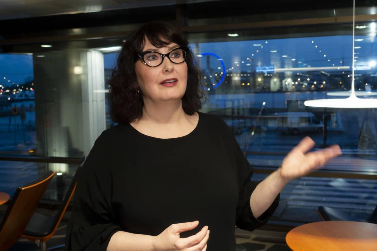 Janica Ylikarjula, johtava asiantuntija, EK