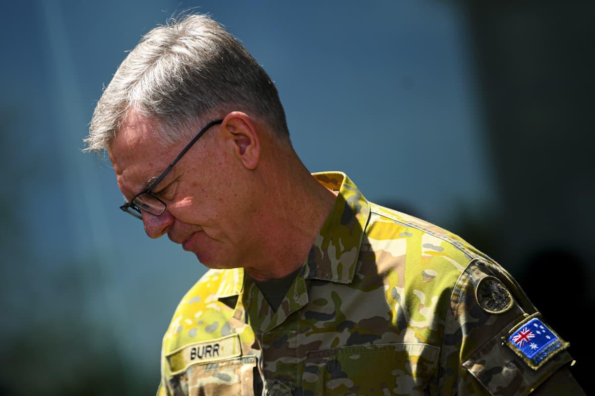 Australian armeijan johtoa edustava Rick Burr puhui tiedotustilaisuudessa Australian pääkaupungissa Canberrassa 27. marraskuuta 2020.