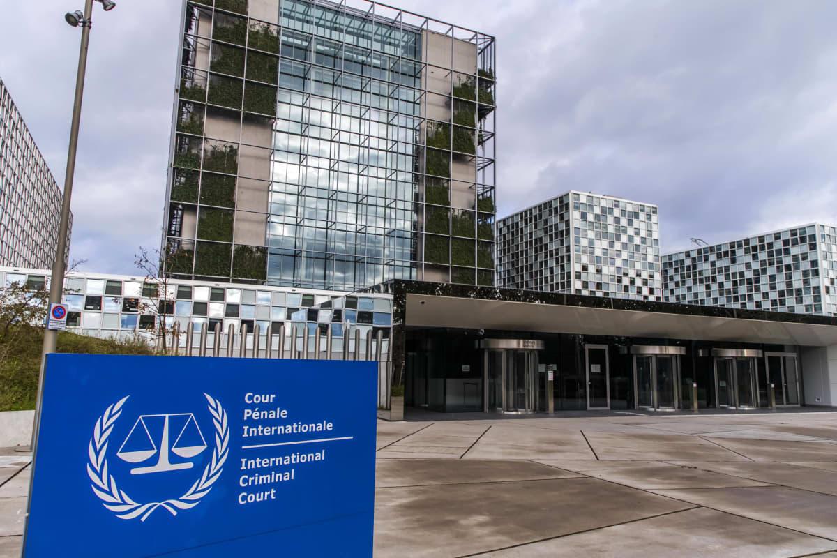 Kansainvälisen rikostuomioistuimen lasi- ja teräsrakenteinen toimitalo