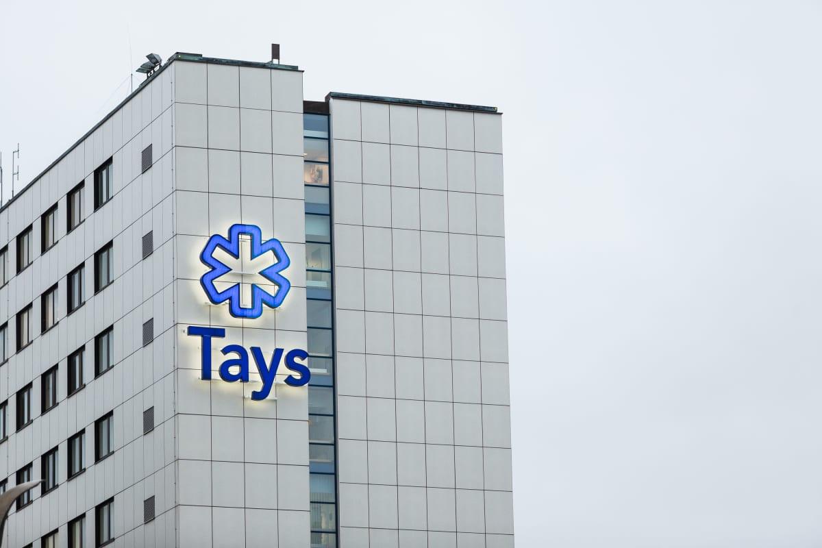 TAYSin sairaalarakennus Tampereella joulukuussa 2020.