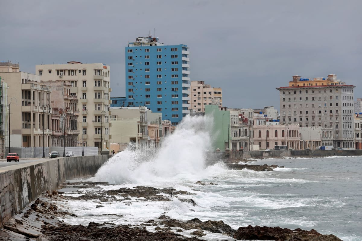 Havannan rakennuksia ja merenrantaa.