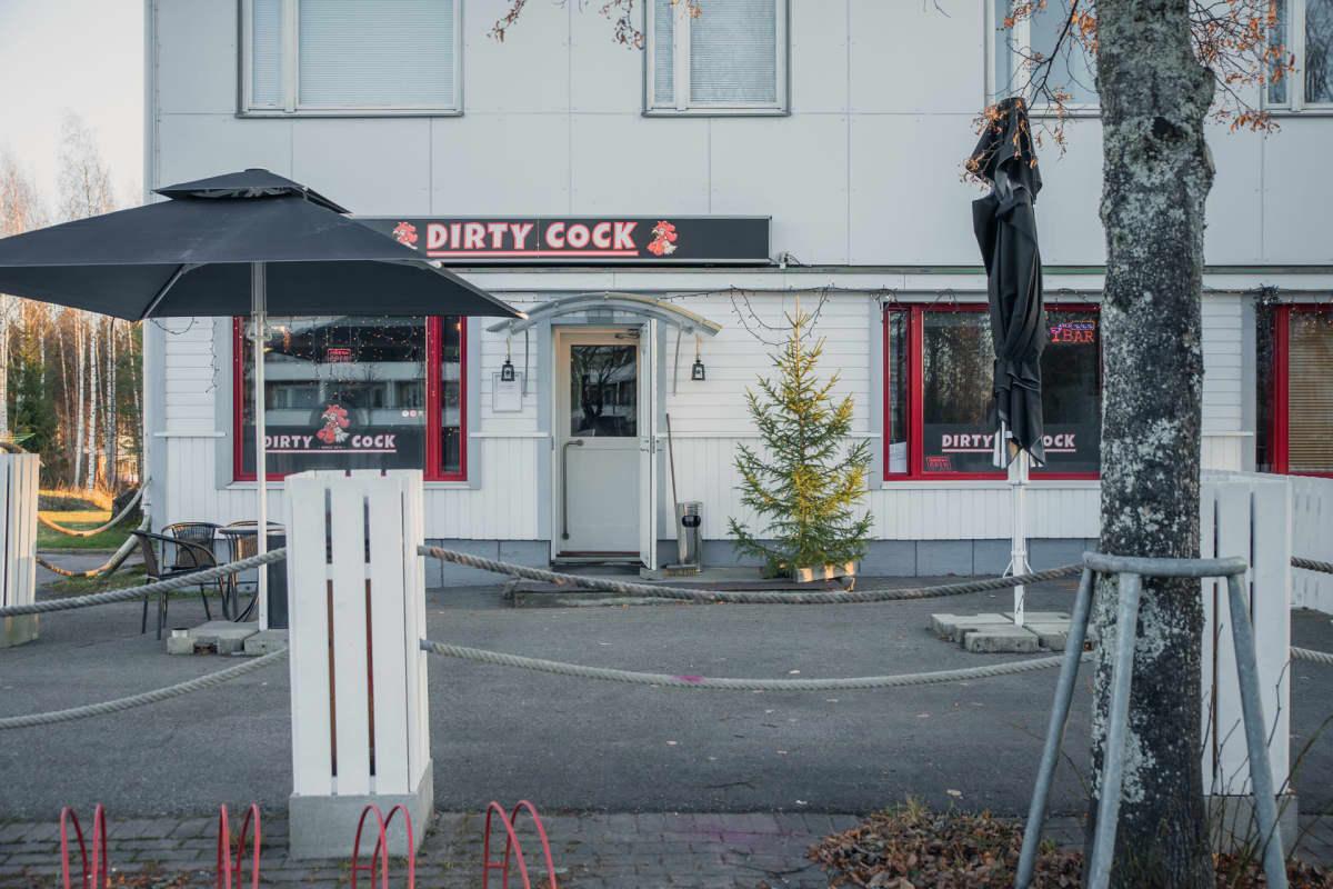 Ravintola Dirty Cock Kuhmoisissa.