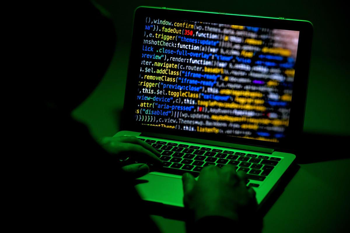 Venäläishakkeroijat tunkeutuivat lukuisten yritysten ja virastojen tietojärjestelmiin. Kuvituskuva.