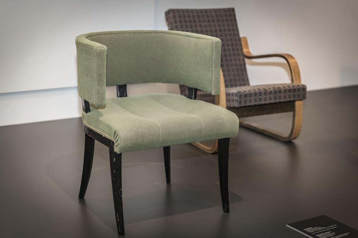 Alvar aallon suunnittelemia tuoleja.