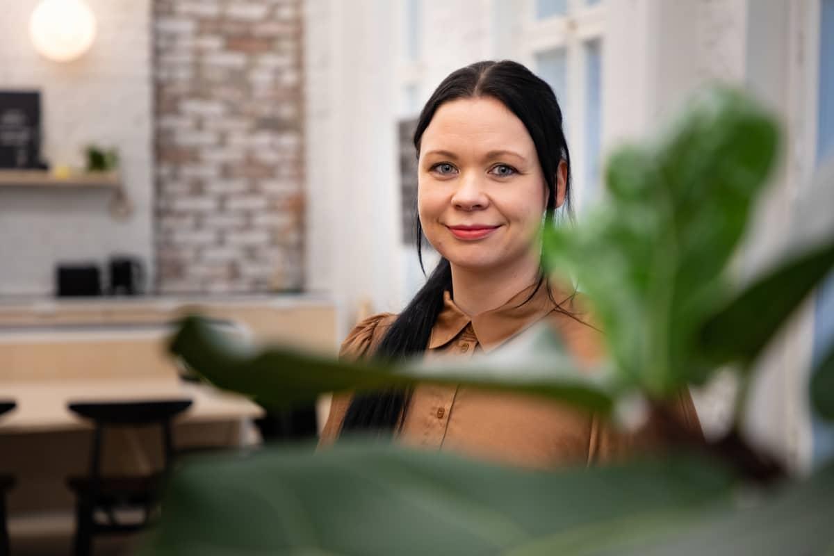 johtava suunnittelija Sara Tuohikumpu