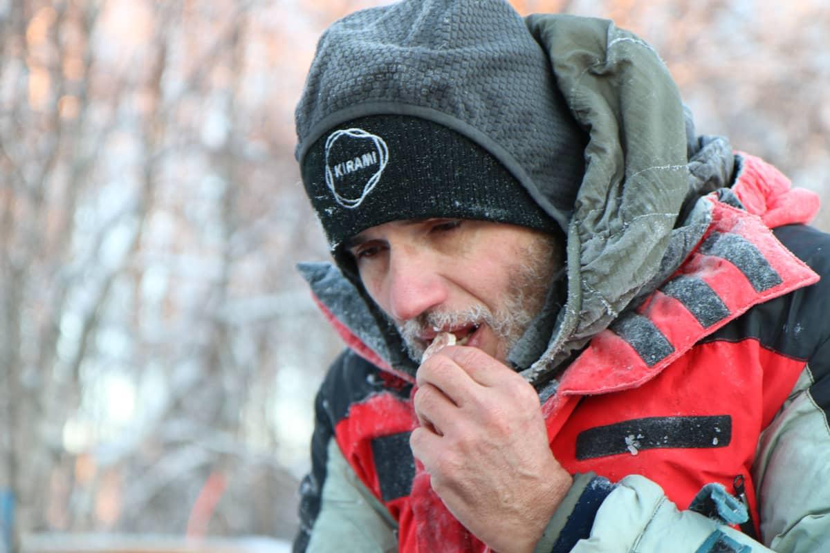 Valerjan Romanovski syö vain kylmää ruokaa.